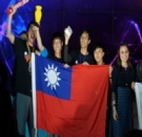 The teams from the Department of Mechanical Design Engineering won the Champion in the 2014 World Robot Olympiad (WRO)